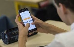 Okullara Telefon Yasağı