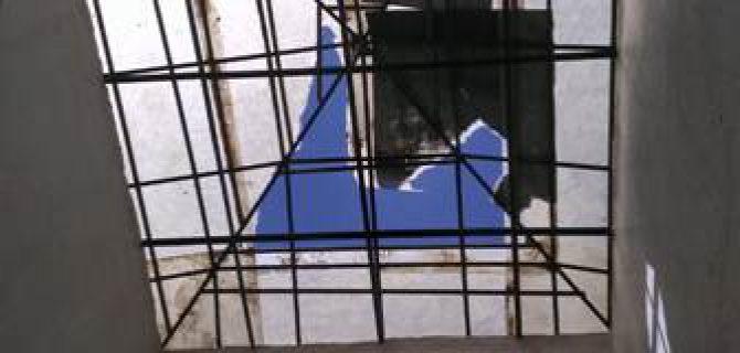 Kulu'da şiddetli fırtına  etkili oldu Çatılar uçtu.
